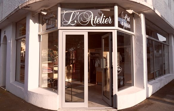 http://static.onlc.eu/atelier-coutureNDD/optimised/133275507564.jpg