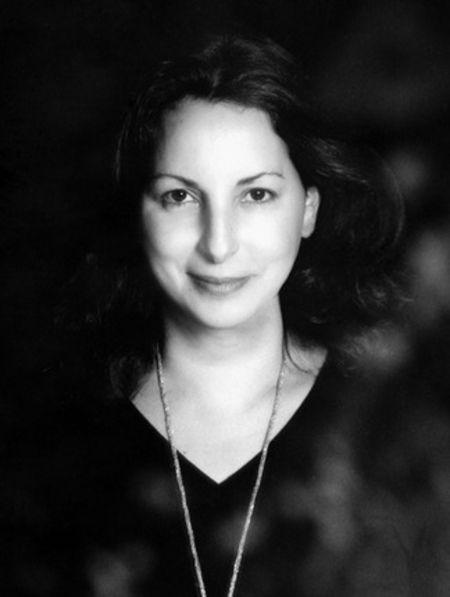 biographie Anne Valerie Hash