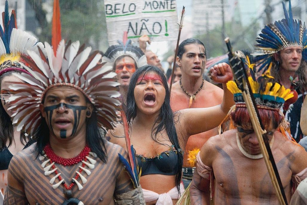 Le peuple brésillien est révolté devant la volonté absurde de détruire la forêt amazonienne.