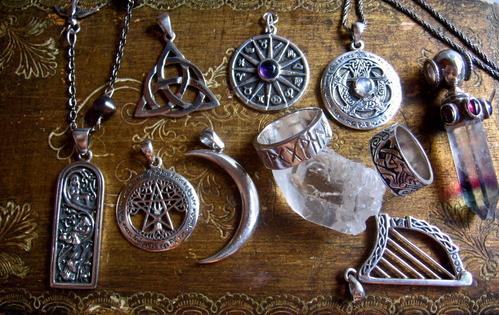 """Résultat de recherche d'images pour """"pendentif Magique Indiennes"""""""